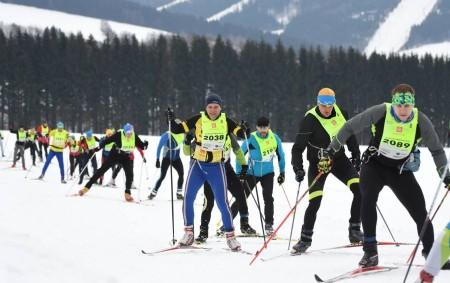 """DEŠTNÉ VORL. HORÁCH - O prvním únorovém víkendu ožilo Deštné v Orlických horách třetím závodem seriálu SkiTour. Na účastníky čekala místní rozmanitá příroda ve stínu místních zasněžených hor. Podhorské louky<a class=""""moretag"""" href=""""http://www.orlickytydenik.cz/35-rocnik-orlickeho-maratonu-mel-prekvapive-viteze/"""">...celý článek</a>"""