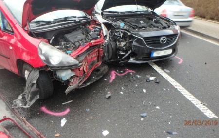 """RYCHNOV N. K. – U vjezdu do nemocnice vJiráskově ulici došlo vúterý 26. března v6. 42 hodin kdopravní nehodě dvou osobních vozidel. Na místo zásahu vyjeli profesionální hasiči zrychnovské stanice.<a class=""""moretag"""" href=""""http://www.orlickytydenik.cz/ranni-nehoda-v-rychnove-nad-kneznou/"""">...celý článek</a>"""