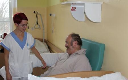 """KRAJ – Léčebna dlouhodobě nemocných vJaroměři navázala vzávěru loňského roku novou spolupráci sorganizací Královédvorská Arnika z. s., která zaštítila dobrovolnické aktivity. Ty mají dlouhodobě hospitalizovaným pacientům pomoci se zlepšením psychiky<a class=""""moretag"""" href=""""http://www.orlickytydenik.cz/podportee-psychicky-dlouhodobe-hospitalizovane-pacienty/"""">...celý článek</a>"""