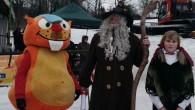 SEDLOŇOV – V Sedloňově se konal minulou sobotu karneval na lyžích. Ukončení úspěšné sezony bylo za deštivého počasí doprovázeno příjezdem vládce hor Rampušáka. Akce se zúčastnilo 40 masek, které si