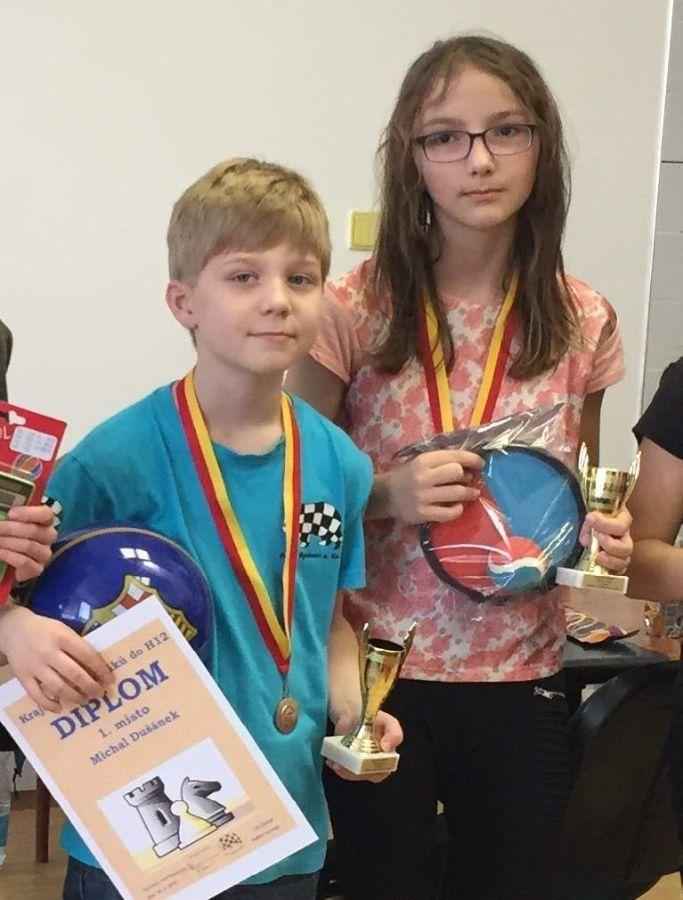 Přeborníci do 12 let - Michal Dušánek s Elen Hetfleischovou.