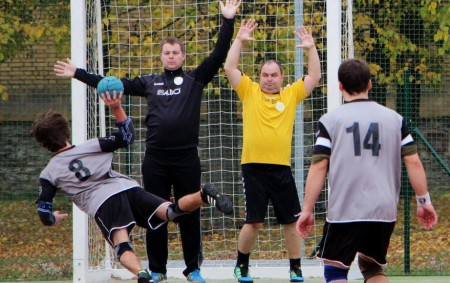 """FOTBAL FNL ČT 25. 4. 17.00 FK Fotbal Třinec – FC Hradec Králové.  Krajský přebor SO 27. 4. 17.00 FK Kostelec n. O. – FK Vysoká n. L. NE<a class=""""moretag"""" href=""""http://www.orlickytydenik.cz/sportovni-pozvanky-na-25-28-dubna/"""">...celý článek</a>"""