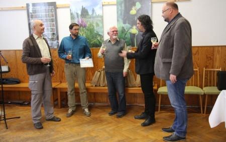 """HLINNÉ/ORLICKÉ HORY –Malá vesnička Hlinné hostila křest unikátní botanické publikace. Orlické hory a jejich podhůří mají každému návštěvníkovi co nabídnout. Vedle celé řady hradů a zámků jsou to také přírodní<a class=""""moretag"""" href=""""http://www.orlickytydenik.cz/desetileta-prace-je-u-konce-na-pulty-prichazi-kniha-orchideje-orlickych-hor-a-podhuri/"""">...celý článek</a>"""