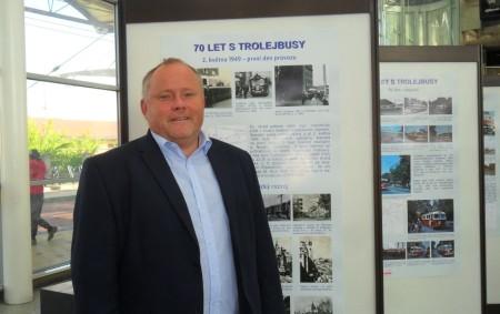 """HRADEC KRÁLOVÉ/REGION – Sedmdesáté výročí od svého založení oslavil o předminulém víkendu Dopravní podnik Města Hradce Králové. Jeho ředitele, Zdeňka Abrahama, jsme se při této příležitosti zeptali na dvě otázky.<a class=""""moretag"""" href=""""http://www.orlickytydenik.cz/vice-nez-tisicovka-lidi-vyuzila-v-zime-skibus-z-hradce-kralove-do-destneho/"""">...celý článek</a>"""