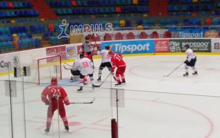 """HRADEC KRÁLOVÉ - Vdresu Spartaku Moskva se na letošním ročkíku Mountfield cupu představil exlitvínovský ROBIN HANZL, který byl vyhlášen nejlepším útočníkem turnaje. Jak se mu trénuje pod novým trenérem Olegsem<a class=""""moretag"""" href=""""http://www.orlickytydenik.cz/robin-hanzl-dostavam-zatim-hodne-prostoru/"""">...celý článek</a>"""