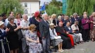 DOBRUŠKA/PRAHA – Na pražském Klárově u Památníku Okřídleného lva se ve středu 14. srpna uskutečnila pietní vzpomínka, která byla věnována československým letcům RAF u příležitosti 74. výročí návratu čsl. letců