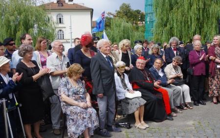 """DOBRUŠKA/PRAHA – Na pražském Klárově u Památníku Okřídleného lva se ve středu 14. srpna uskutečnila pietní vzpomínka, která byla věnována československým letcům RAF u příležitosti 74. výročí návratu čsl. letců<a class=""""moretag"""" href=""""http://www.orlickytydenik.cz/pietni-vzpominky-na-letce-raf-se-zucastnil-i-starosta-dobrusky/"""">...celý článek</a>"""