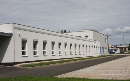 """RYCHNOV N. K. –Rychnovská průmyslovka otevírá další zrekonstruované prostory pro učně. Ruce od oleje a špinavé montérky? Takto již dávno většina továrních provozů nevypadá. Aby budoucí pracovníci věděli, co je<a class=""""moretag"""" href=""""http://www.orlickytydenik.cz/zajem-o-ucnovske-skolstvi-se-zveda-v-rychnove-n-k-nabizi-zcela-nove-prostory/"""">...celý článek</a>"""
