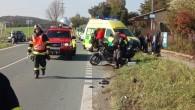 PODBŘEZÍ - Na silnici č. 14 vkřižovatce sodbočkou na Podbřezí došlo 13. října kdopravní nehodě dvou osobních vozidel a motocyklu. Dvě osoby byly při nehodě zraněny, do péče si