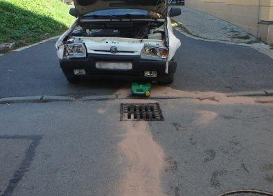 """RYCHNOV N. KN. - VPalackého ulici zasahovali 14. října profesionální hasiči zRychnova nad Kněžnou u dopravní nehody osobního vozidla. Automobil narazil do domu, dvě osoby byly zraněny. Hasiči zajistili místo<a class=""""moretag"""" href=""""http://www.orlickytydenik.cz/automobil-narazil-v-rychnove-do-domu/"""">...celý článek</a>"""