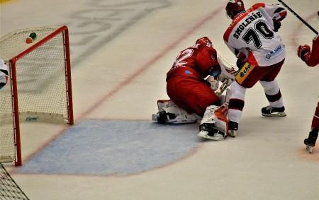 "HOKEJ Tipsport extraliga PÁ 1. 11. 17.30 HC Škoda Plzeň – Mountfield HK. NE 3. 11. 18.00 Mountfield HK – HC Dynamo Pardubice.  Krajská liga mužů NE 3. 11.<a class=""moretag"" href=""http://www.orlickytydenik.cz/sprtovni-pozvanky-na-30-rijna-3-listopadu/"">...celý článek</a>"