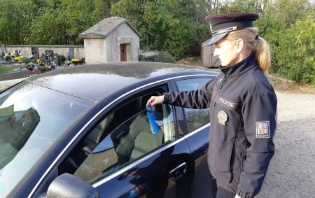 """ORLICKOÚSTECKO - Vprůběhu takzvaného dušičkového týdne, vrámci uctění památky zesnulých, se policisté více zaměřili na kontroly zabezpečení vozidel proti vloupání, na parkovištích a přilehlých místech u hřbitovů a pietních míst.<a class=""""moretag"""" href=""""http://www.orlickytydenik.cz/policiste-zjistili-nebezpecny-pohyb-chodcu-v-silnicnim-provozu/"""">...celý článek</a>"""