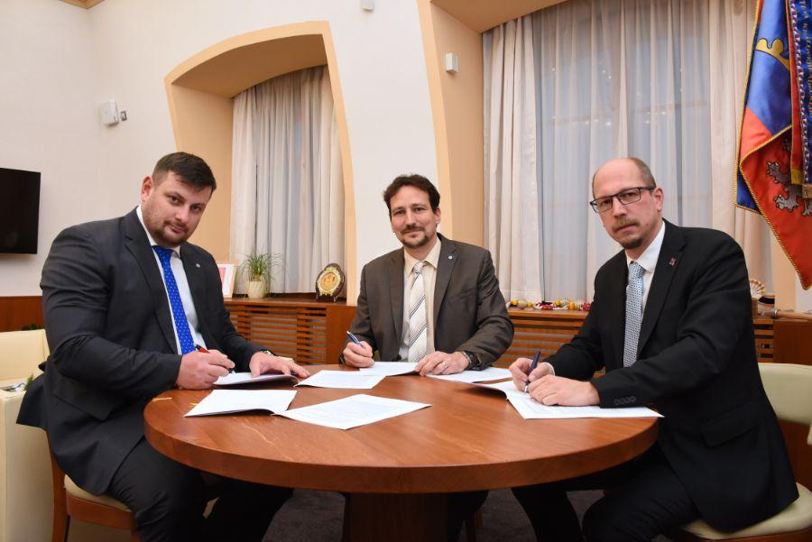 smlouva o obchvatu ČastolovicDSC_9540