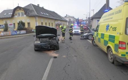 """DOUDLEBY N. O. – Na silnici č. 11 vulici Rudé Armády došlo 6. ledna ke střetu dvou osobních vozidel, na místo jeli profesionální hasiči zRychnova nad Kněžnou a dobrovolná jednotka<a class=""""moretag"""" href=""""http://www.orlickytydenik.cz/v-doudlebach-se-srazila-dve-auta/"""">...celý článek</a>"""
