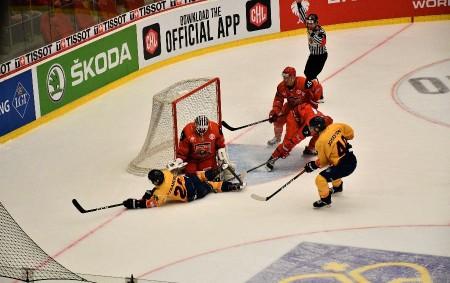 """Svýhrou 3:1 vzádech zprvního zápasu ve Švédsku vstupovali do odvety Ligy mistrů hradečtí hokejisté proti Djurgardenu. Jeden malý krok tak dělil Mountfield od postupu do vysněného finále. HRADEC KRÁLOVÉ<a class=""""moretag"""" href=""""http://www.orlickytydenik.cz/mountfield-zvladl-odvetu-s-djurgardenem-a-je-ve-finale-ligy-mistru/"""">...celý článek</a>"""