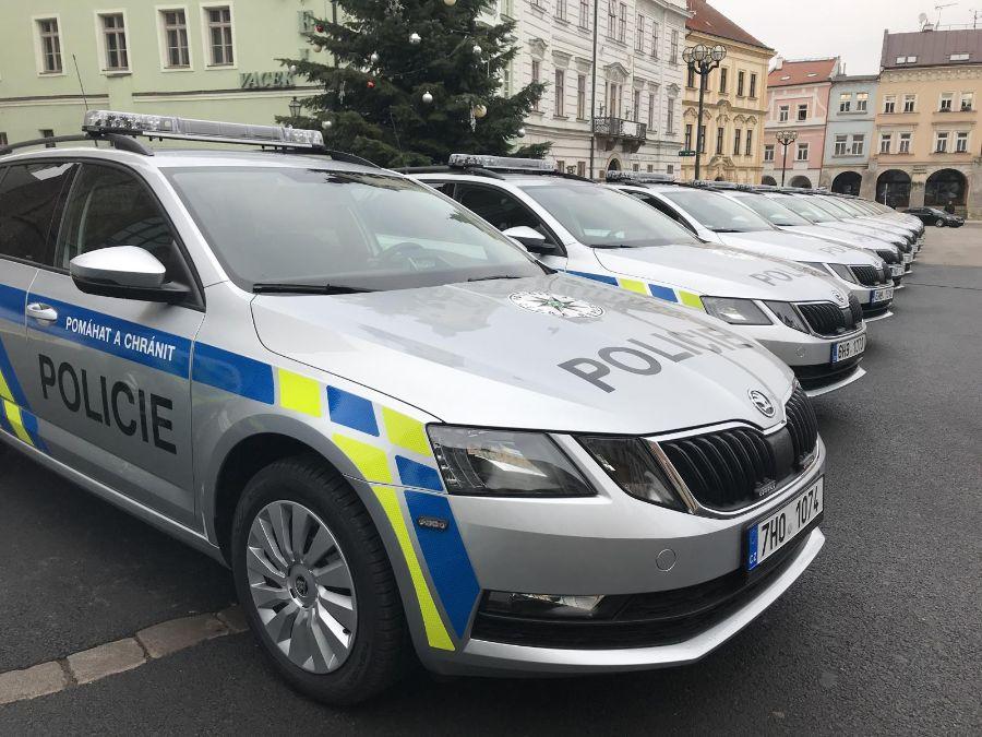 Třiadvacet nových policejních vozidel  2 ViewImage