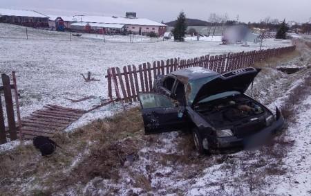 """PODBŘEZÍ – Na silnici č. 14 vkatastru obce Podbřezí zasahovala 12. února profesionální jednotka zDobrušky u dopravní nehody osobního vozidla, které vyjelo mimo komunikaci a zůstalo částečně vplotě, který poškodilo.<a class=""""moretag"""" href=""""http://www.orlickytydenik.cz/v-podbrezi-auto-skoncilo-v-plote/"""">...celý článek</a>"""