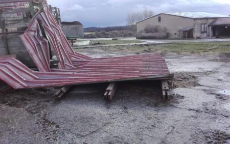"""RYCHNOVSKO – Vrámci technické pomoci po bouři Sabine odstraňovali hasiči 10. února na Rychnovsku popadané stromy zkomunikací například vTýništi nad Orlicí, Olešnici vOrlických horách, Lupenici, Dobrušce, Ohnišově, Černíkovicích, Zdobnici atd.<a class=""""moretag"""" href=""""http://www.orlickytydenik.cz/padaly-stromy-odletavaly-strechy/"""">...celý článek</a>"""
