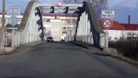 KRAJ –Nezbytné rekonstrukci mostů na silnici II/305 mezi Albrechticemi nad Orlicí a Týništěm brání nedořešené vlastnické vztahy. Jediný majitel potřebného pozemku již několik let prakticky odmítá komunikovat a brání tak
