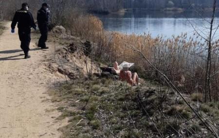"""PARDUBICKO – V pátek 27. března byli policisté cestou linky 158 přivoláni k rybníkům v okolí Lázní Bohdaneč, kde sluníčko a relativně teplé počasí přilákalo k vodě řadu lidí včetně nudistů.<a class=""""moretag"""" href=""""http://www.orlickytydenik.cz/nudisti-nerespektovali-narizeni-vlady/"""">...celý článek</a>"""