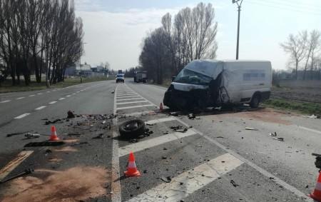 """RYCHNOVSKO – Vpátek 20. března došlo krátce po desáté hodině k dopravní nehodě, při které se na silnici I. třídy u Týniště nad Orlicí střetla cisterna s dodávkovým automobilem. """"Z<a class=""""moretag"""" href=""""http://www.orlickytydenik.cz/ke-stretu-cisterny-s-dodavkou-doslo-u-tyniste-nad-orlici/"""">...celý článek</a>"""