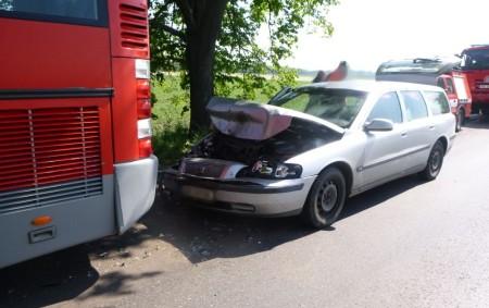 """ČESKÉ MEZIŘÍČÍ – Profesionální jednotka zDobrušky a JSDH Opočno zasahovaly 19. května u dopravní nehody osobního vozidla a autobusu, která se stala vulici Osvobození. Při nehodě nebyl nikdo zraněn. Hasiči<a class=""""moretag"""" href=""""http://www.orlickytydenik.cz/v-ceskem-mezirici-se-stretl-autobus-s-autem/"""">...celý článek</a>"""