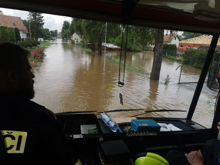 Hasiči stále vyjíždějí k událostem v souvislosti s počasím 3ViewImage