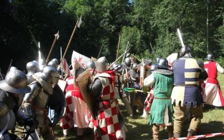 """KVASINY –Rekonstrukce bitvy v Kvasinách se bude s velkou pravděpodobností na konci června konat. Jak se žilo a bojovalo ve středověku? To a mnohem více se dozvíte 27. června v<a class=""""moretag"""" href=""""http://www.orlickytydenik.cz/v-kvasinach-se-svede-bitva-o-osadu-predcin/"""">...celý článek</a>"""