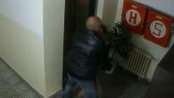 HRADECKO – Hradečtí kriminalisté v těchto dnech zahájili trestní stíhání proti sedmačtyřicetiletému muži s bohatou trestní minulostí. Kriminalisté po prošetření všech zjištěných informací a zajištěných stop dávají recidivistovi za vinu,