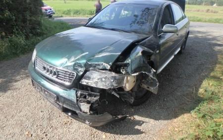 """SKUHROV N. B. – Vkatastru části Debřece zasahovali 13. září profesionální hasiči zRychnova nad Kněžnou a Dobrušky. Při nehodě nebyl nikdo zraněn. Hasiči zlikvidovali uniklé provozní kapaliny a odklidili vozidla<a class=""""moretag"""" href=""""http://www.orlickytydenik.cz/dopravni-nehoda-zamestnala-hasice-4/"""">...celý článek</a>"""