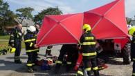 ORLICKOÚSTECKO – K tragické události do Kunvaldu na Orlickoústecku ve středu 16. záříodpoledne vyjížděly čtyři jednotky hasičů. Muž na svém traktoru uviděl plameny, seskočil z něho a začal je hasit.