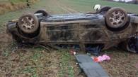 RYCHNOV N. K. – Kdopravní nehodě osobního vozidla vyjížděli 29. října profesionální hasiči ze stanice Rychnov nad Kněžnou a JSDH Solnice, automobil havaroval na silnici vedoucí od komunikace č. 321