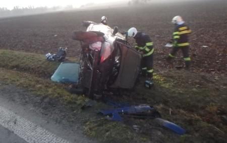 """SOLNICE – Na silnici č. 14 mezi Ještěticemi a Bílým Újezdem havaroval 23. listopadu osobní automobil, který se převrátil mimo komunikaci. Na místo vyjeli profesionální hasiči ze stanice Rychnov nad<a class=""""moretag"""" href=""""http://www.orlickytydenik.cz/automobil-se-prevratil-mimo-komunikaci/"""">...celý článek</a>"""