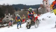 """RYCHNOVSKO - I když si to zatím příliš nepřipouštíme, zima je už za dveřmi. Chystá se proto další ročník závodů v motoskijöringu – Mistrovství České republiky """"ORION-SHIVA KTM 2021""""."""
