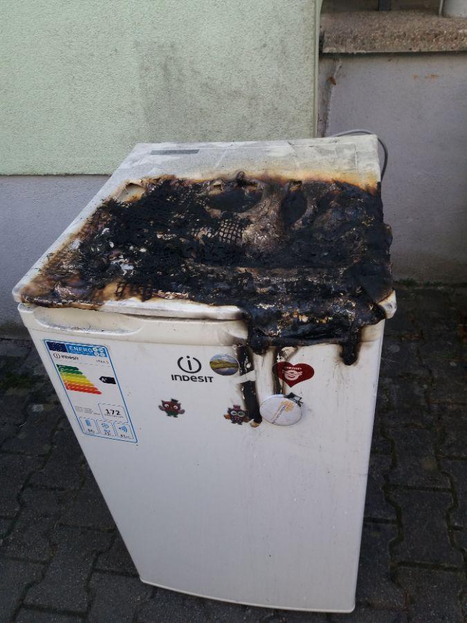 lednička Kostelec