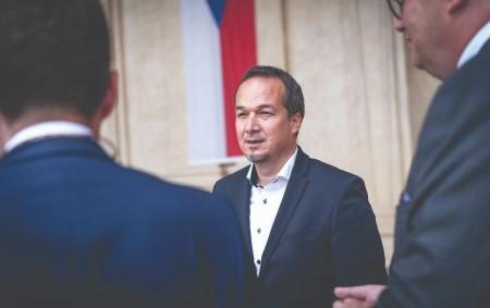 """REGION –První letošní vydání Orlického týdeníku přináší velký rozhovor s novým senátorem za náš obvod Janem Grulichem. Rychnovsko má nového senátora. V říjnových volbách se jím stal ředitel Základní a<a class=""""moretag"""" href=""""http://www.orlickytydenik.cz/ted-musim-dokazat-ze-umim-drzet-slovo-rika-novy-senator-jan-grulich/"""">...celý článek</a>"""