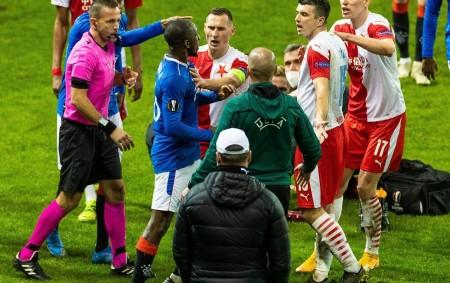 """RYCHNOV N. K. – Zápas Slavie se skotskými Rangers neskončil po závěrečném hvizdu odvety a postupem červenobílých do čtvrtfinále, ale pokračuje, řečeno fotbalovou terminologií, prodloužením. O incidentu Ondřeje Kúdely s<a class=""""moretag"""" href=""""http://www.orlickytydenik.cz/morgan-freeman-rasismus-skonci-az-o-nem-cernosi-prestanou-mluvit/"""">...celý článek</a>"""