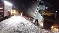 """DOBRUŠKA – Profesionální jednotka zDobrušky vyjela 8. dubna v05.17 hodin koznámené dopravní nehodě nákladního vozidla, které mělo sjet částečně mimo komunikaci a skončit vpříkopu. Při nehodě nebyl nikdo zraněn, auto<a class=""""moretag"""" href=""""http://www.orlickytydenik.cz/auto-skoncilo-v-prikopu-3/"""">...celý článek</a>"""