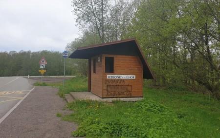 """RYCHNOVSKO - V pondělí 24. května policisté na obvodním oddělení Dobruška přijali oznámení o pomalované autobusové zastávce v obci Sedloňov a rozhledny na Velké Deštné. Zatím neznámý pachatel vyznává lásku<a class=""""moretag"""" href=""""http://www.orlickytydenik.cz/zamilovany-ctitel-pomaloval-rozhlednu-a-zastavku/"""">...celý článek</a>"""