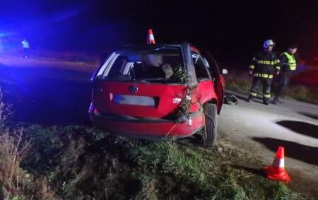 """HRADECKO - V pátek 8. října krátce před půlnocí na silnici III. třídy v katastru obce Kosičky havarovalo osobní vozidlo značky VW Golf. """"K nehodě pravděpodobně došlo tak, že 18letý<a class=""""moretag"""" href=""""http://www.orlickytydenik.cz/spolujezdkyne-nasledkum-zraneni-podlehla/"""">...celý článek</a>"""
