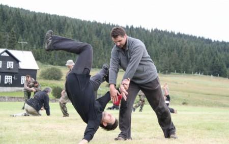 """JIZERSKÉ HORY – Tělocvična rychnovského SHIN-KYO prochází o letních prázdninách rekonstrukcí. To však členům klubu nebrání v jejich tréninku, neboť letní měsíce jsou tradičně obdobím různých soustředění a seminářů. Jedním<a class=""""moretag"""" href=""""http://www.orlickytydenik.cz/na-seminar-aikido-a-tai-chi-chuan-vyrazila-z-rychnova-deseticlenna-vyprava/"""">...celý článek</a>"""